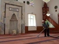 Gölbaşı camileri dezenfekte edildi