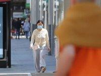İngiltere'de koronavirüs nedeniyle 215 kişi daha öldü
