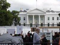 Trump, göstericilere karşı kendi destekçilerini Beyaz Saray'a çağırdı