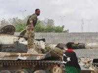 Libya Ordusu başkentin güneyindeki Trablus Havalimanı'na ilerliyor
