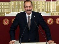 MHP'li Osmanağaoğlu'ndan Atatürk imzalı ve Türk bayraklı maske dağıtılmasına tepki