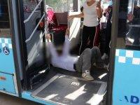 Otobüste fenalaşan kişi koronavirüs şüphesiyle hastaneye kaldırıldı