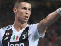 Ronaldo ilk milyarder futbolcu oldu