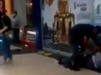İzmir'de bir kişi eşi dahil 3 kişiyi bıçakladı