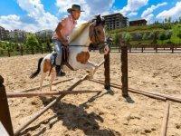 Altınköy'deki at çiftliğine yoğun ilgi