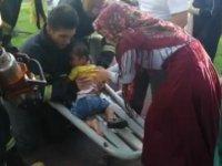Çocuk parkında ayağı sıkışan çocuğu itfaiye kurtardı