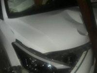 Kontrolden çıkan otomobil, elektrik direğine çarptı: 6 yaralı