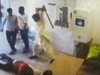 Fransa'da 'maske takın' diyen iş yeri sahibine çete dayağı