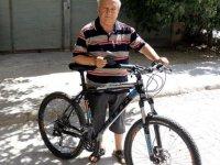 Sınavla aldığı bisiklet ehliyetini 60 yıldır saklıyor