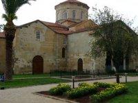 Ortahisar Ayasofya Camii'ne ziyaretçi akını