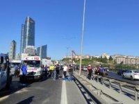TEM'de feci kaza: 2 ölü; trafik kilitlendi