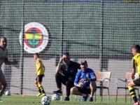 Fenerbahçe, hazırlık maçında İstanbulspor'u 4-0 mağlup etti
