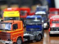 330 parçalık oyuncak araç koleksiyonuna 7 yılda 80 bin lira harcadı