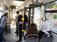 Başkan Çetin uyarısını otobüste yaptı