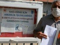 İzmir'de evlat nöbeti tutan baba, asker olmak için dilekçe verdi