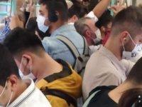 Tramvayda dikkat çeken kalabalık