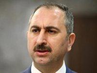 Adalet Bakanı Gül: ''Kınıyorum''