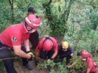 Bursa'da, şelale kenarında 10 metre yükseklikten düşen kişi yaralandı