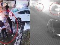 Dövülüp araçtan atıldıktan sonra otomobilin çarptığı yaralı öldü; kaza anı kamerada