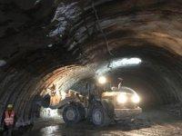 Kop Dağı'nda yapımı süren çift tüplü tünelde göçük