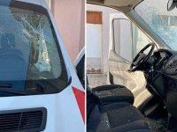 Bingöl'de yaralı yakınlarından ambulansa saldırı