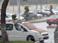 Zonguldak'ta sağanak; maskeler sırılsıklam oldu