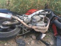 Kamyona çarpan motosiklet sürücüsü hayatını kaybetti