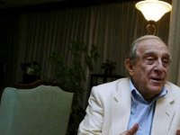 Eski Dışişleri Bakanı Bozer, koronavirüsten hayatını kaybetti