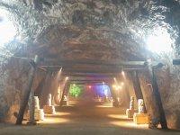 Tuz Şehrine ziyaretçi akını - Bu mağarada virüs yok!