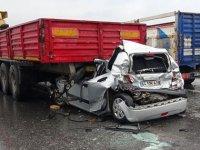 Otoyolda 9 aracın karıştığı zincirleme kaza: 10 yaralı