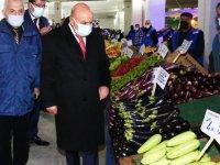 Keçiörenliler alışverişlerini sıcak semt pazarlarında yapıyor