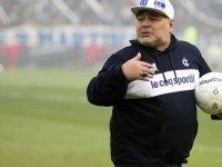 Arjantinli efsane futbolcu Maradona son yolculuğuna uğurlandı