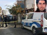 Annesini 20 yerinden bıçaklayarak öldürdü