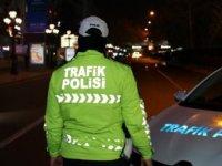 Ankara'da sokak kısıtlaması ile meydanlar boş kaldı
