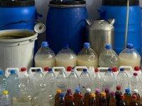 İzmir'de 462 litre kaçak içki ele geçirildi