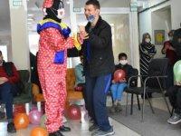 Destek eğitimi alan engelli öğrencilere sürpriz eğlence