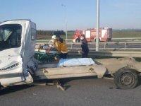 Silivri'de TIR ile kamyonet çarpıştı