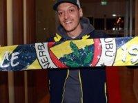 Mesut Özil: Fenerbahçe formasını giyeceğim için çok mutluyum