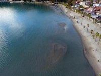 Akyaka'da deniz çekilmesi havadan görüntülendi