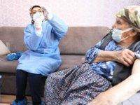 Ankara'da 116 yaşında iki kadına, koronavirüs aşısı yapıldı
