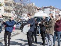 Mamak sokaklarında müzik resitali