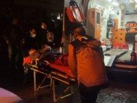 Traktör satışı yapan iş yeri sahibini, pompalı tüfekle yaraladı