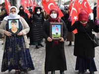 Şırnak'ta terör mağduru aileler HDP İl Başkanlığı önünde eylem yaptı