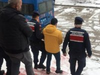 Ankara'da 'acı su' parolasıyla sahte içki satan baba ve oğluna operasyon