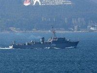 Rus ve Yunan savaş gemileri peş peşe Çanakkale Boğazı'ndan geçti