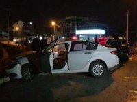 Kavşakta 3 araç çarpıştı: 4 yaralı