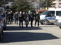 Afyonkarahisar'da uyuşturucu ticaretine 5 tutuklama
