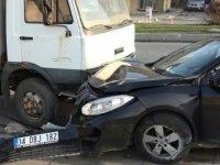 Sultangazi'de 2 kere kaza yaptı; alkollü çıktı