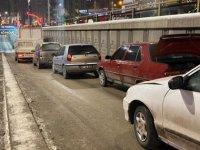 Erzurum'da alt geçitte 9 araçlı zincirleme kaza