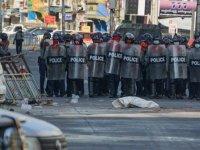 Myanmar'da güvenlik güçleri protestoculara karşı gerçek mermi kullandı: 6 ölü